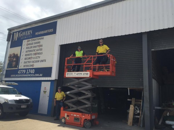 Roller Door Boys Scissorlift