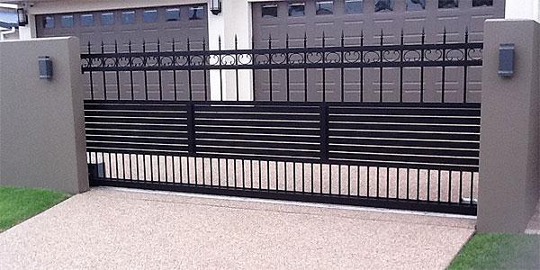 mid gates-002